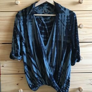 Blue Life Tie-Dye 3/4 Sleeve Collared Wrap Shirt S